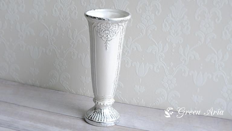 クレイのVictorian 170-749-172。白くマットな肌触りで、シルバーの装飾が美しくまさしく、ビクトリアンな印象。